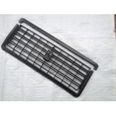 Решетка облицовки радиатора 2107 /черная/ к-т/ с молдингом/